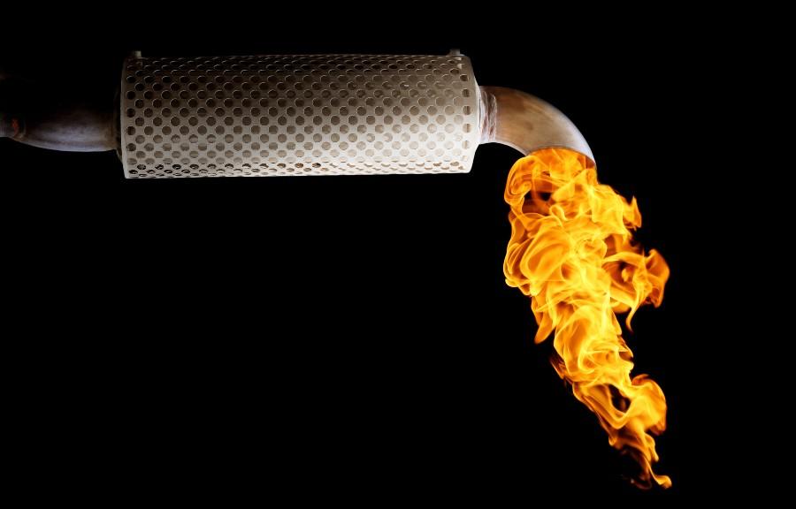 Auspuff erzeugt Flamme - Mofa Auspuff reinigen